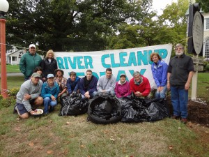 Annual River Cleanup 2012 volunteers gather